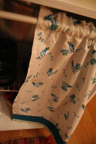 Kitchen curtain1
