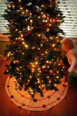 Tree skirt 3