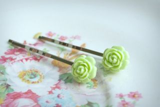 65 small rose clips lime green 1