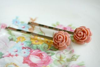 65 small rose clips dusty pink 1